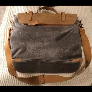 Anthropologie Bags - Anthropologie Jesslyn Blake Silver Messenger Bag